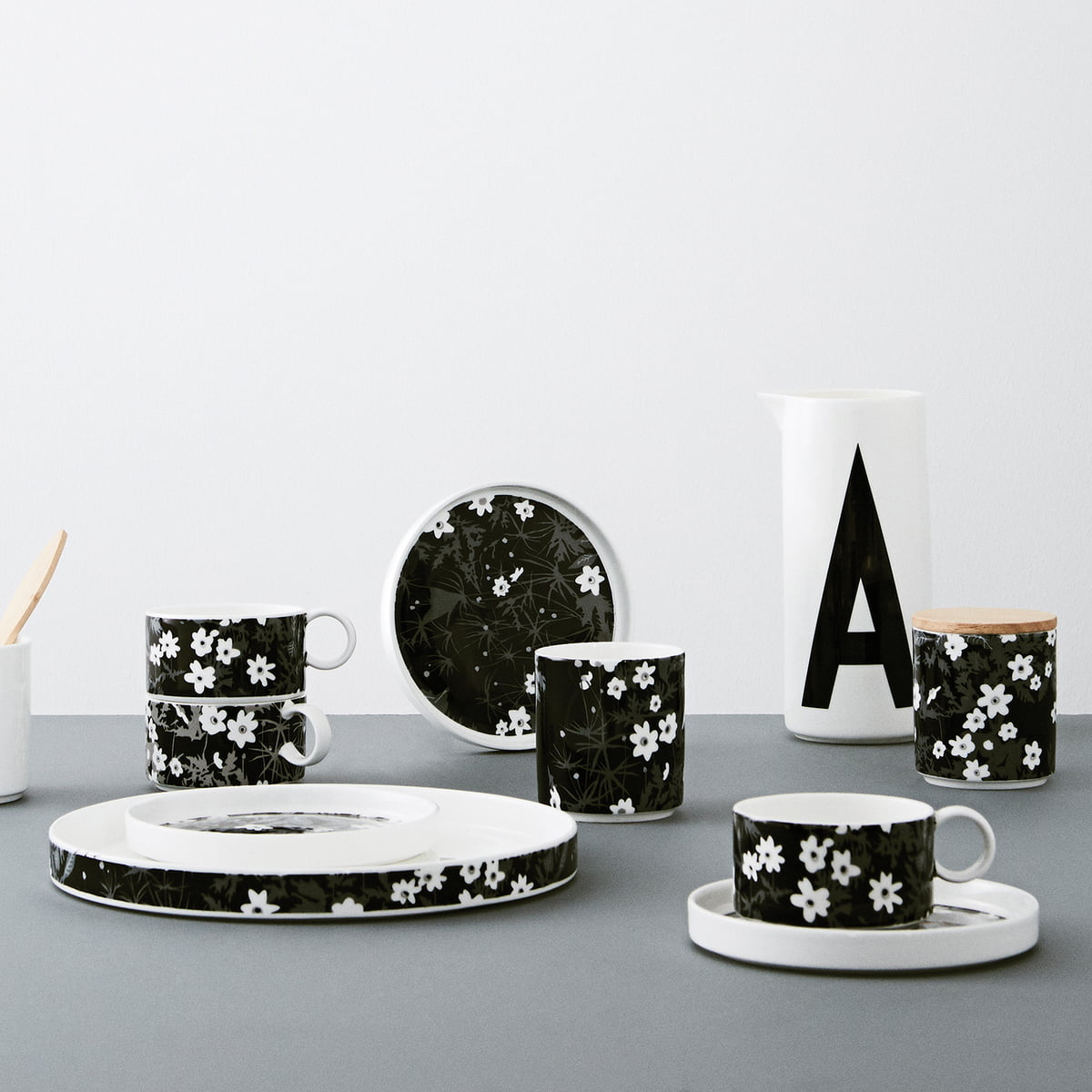 tasse flowers d 39 arne jacobsen. Black Bedroom Furniture Sets. Home Design Ideas