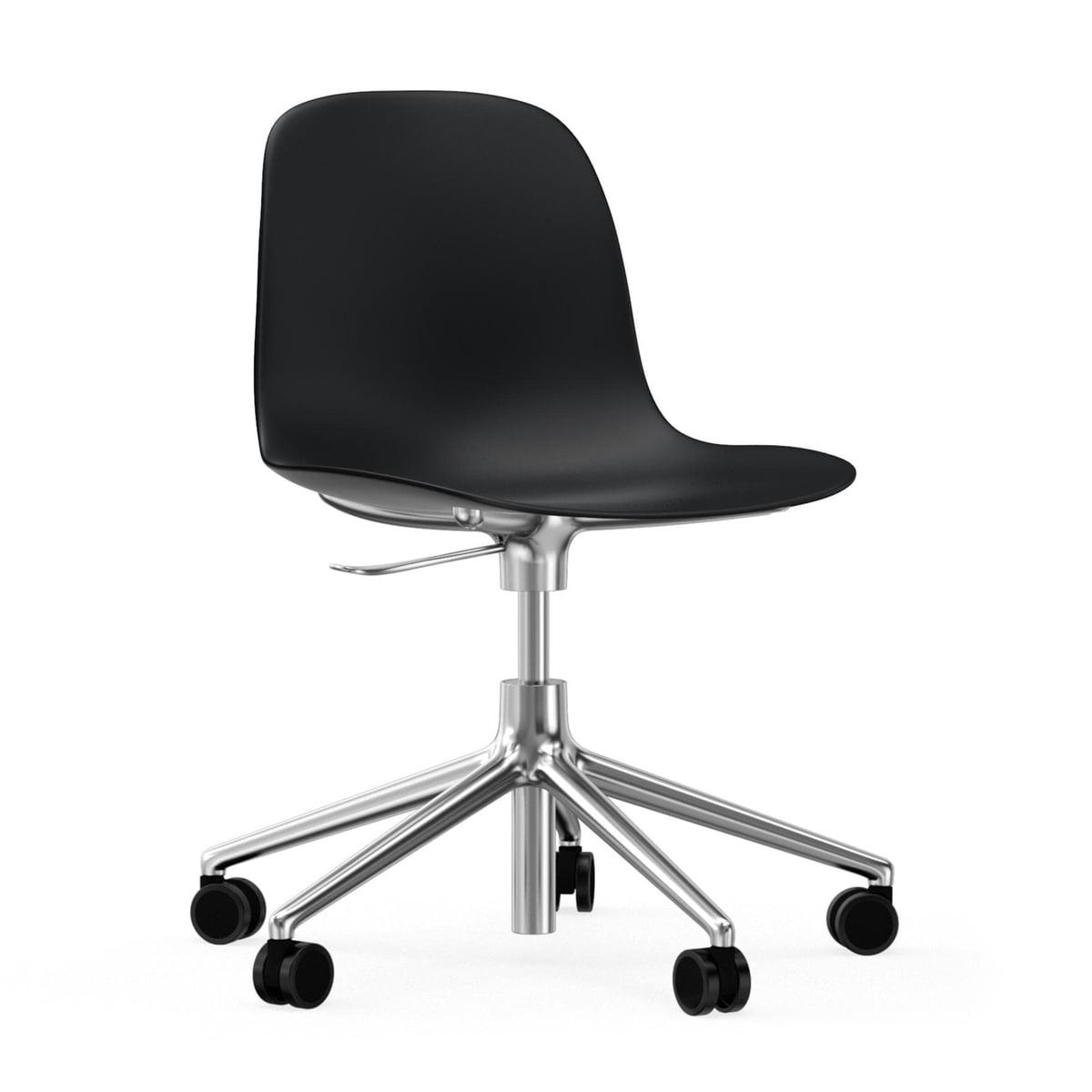 Chaise Pivotante De Bureau Form Par Normann Copenhagen En Noir Aluminium