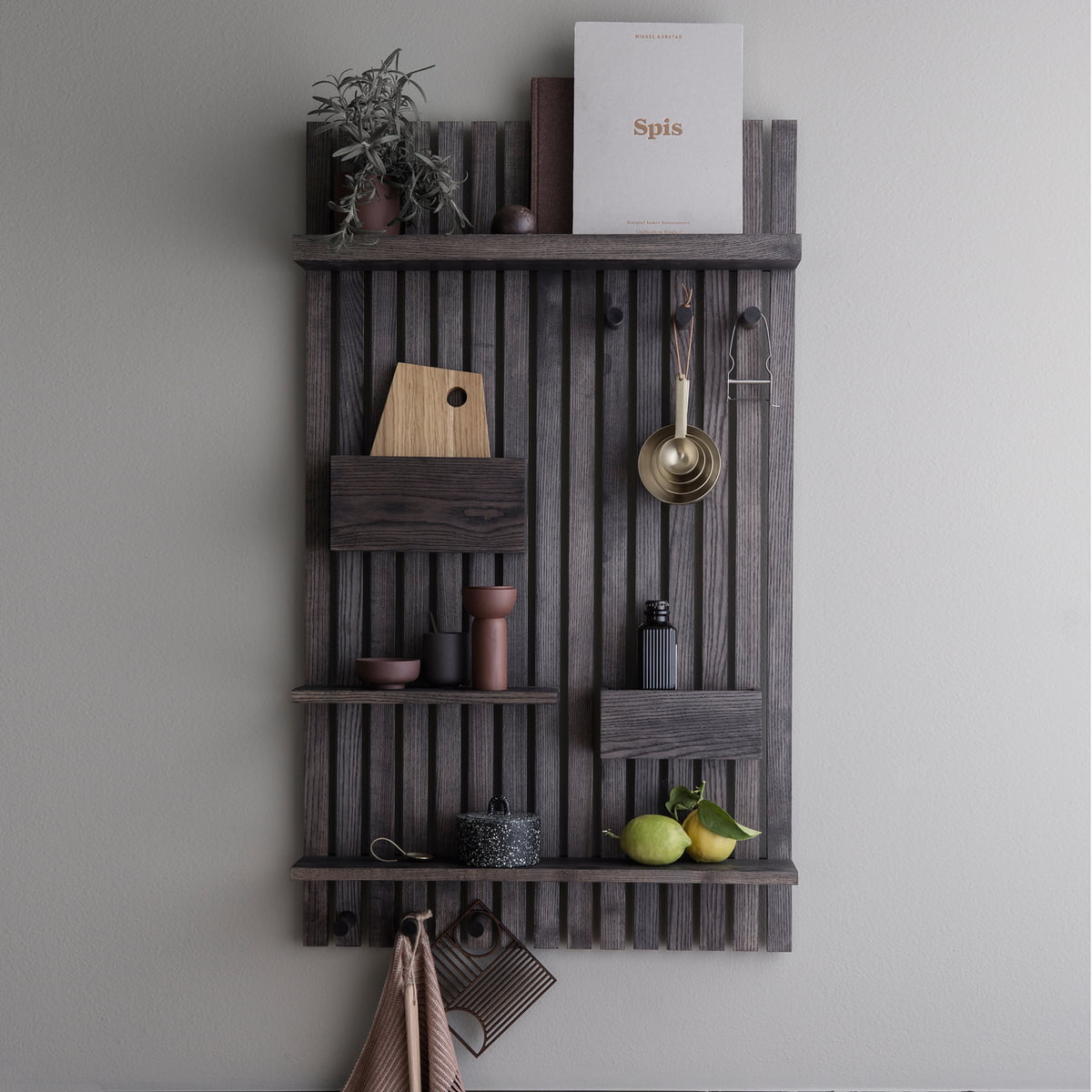 organiseur en bois ferm living connox. Black Bedroom Furniture Sets. Home Design Ideas