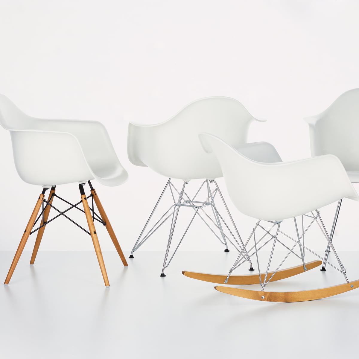 Vitra Eames Plastic Armchair DAW (H 43 cm), érable jauni blanc, patins feutre blanc (sold durs)