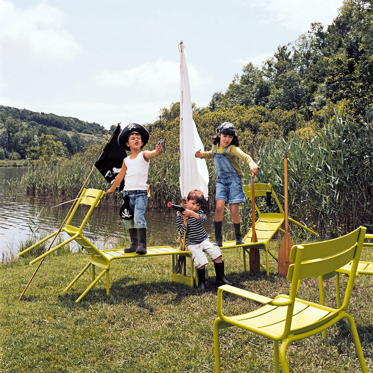 fauteuil luxembourg de fermob. Black Bedroom Furniture Sets. Home Design Ideas