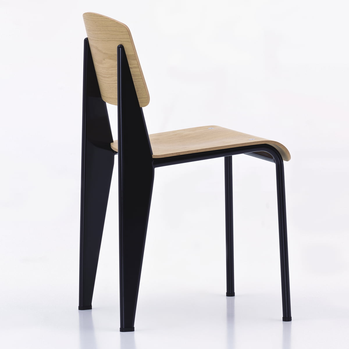 chaise prouv standard par vitra dans la boutique. Black Bedroom Furniture Sets. Home Design Ideas