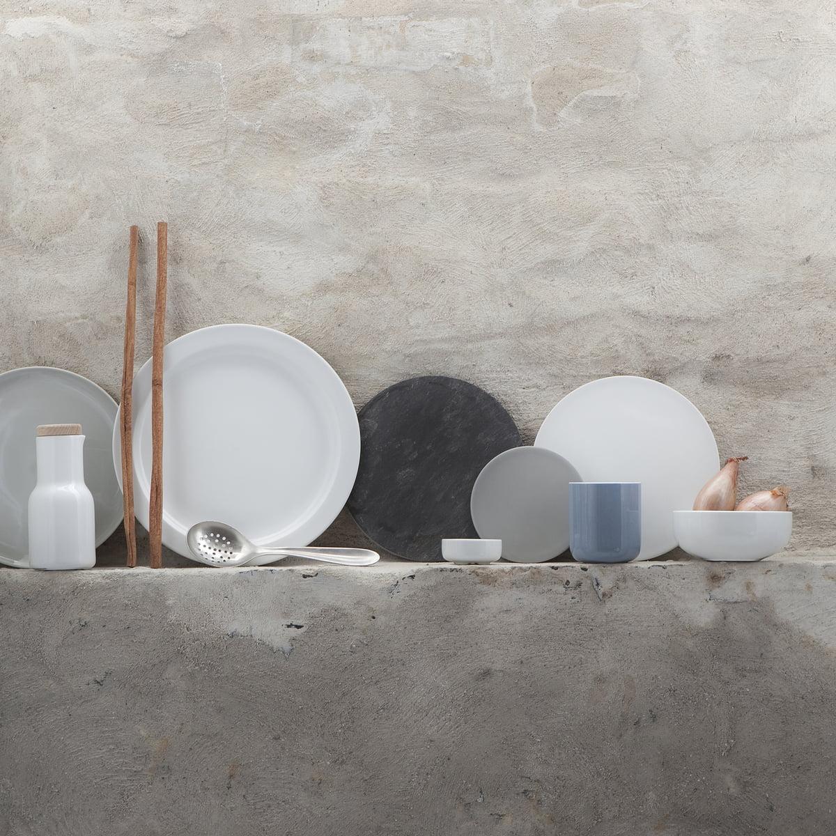 assiette en porcelaine new norm 27 cm. Black Bedroom Furniture Sets. Home Design Ideas