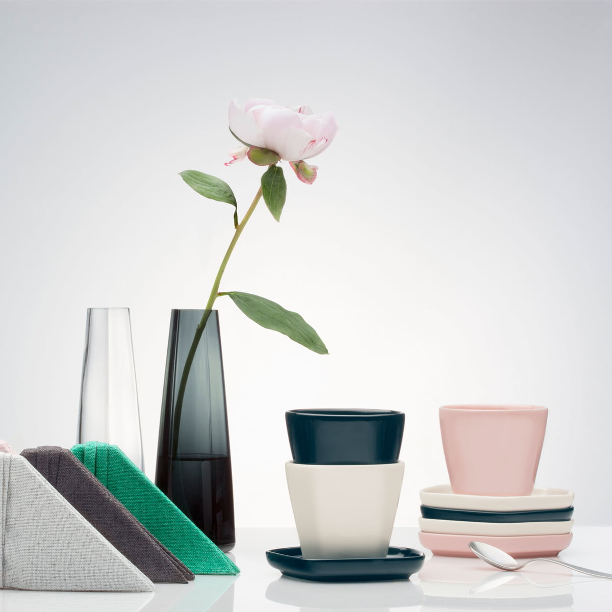 vase en verre iittala x issey miyake. Black Bedroom Furniture Sets. Home Design Ideas