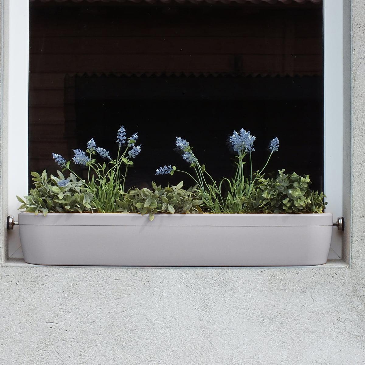 accrocher jardiniere fenetre
