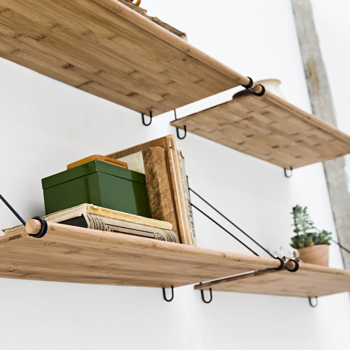 d couvrez loop shelf de we do wood connox. Black Bedroom Furniture Sets. Home Design Ideas