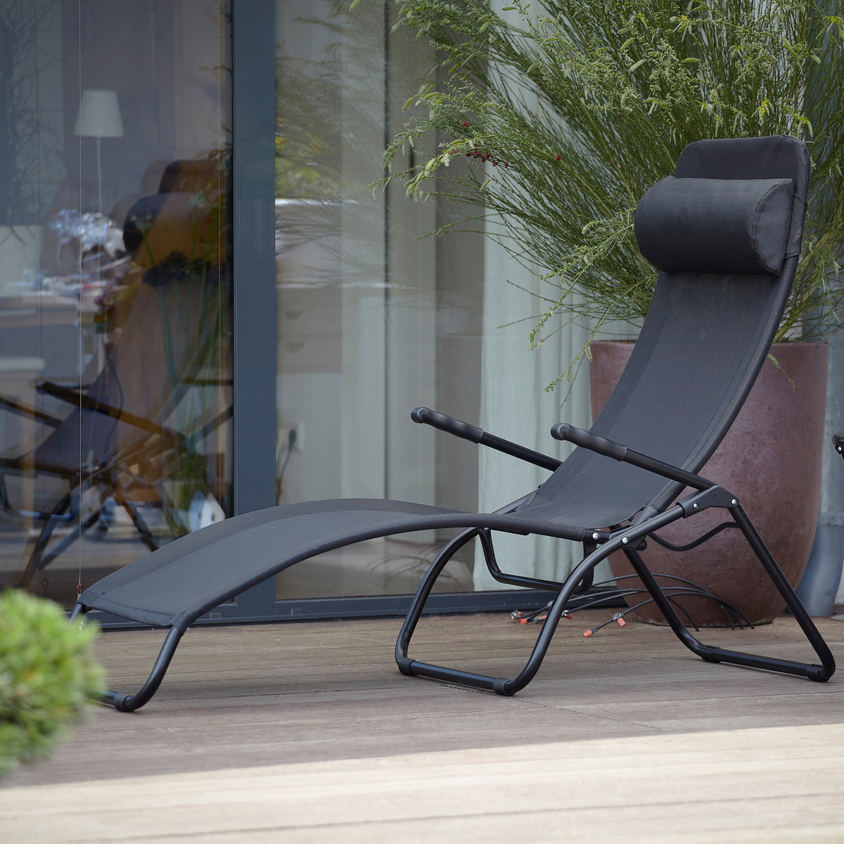 chaise longue de terrasse samba de fiam. Black Bedroom Furniture Sets. Home Design Ideas