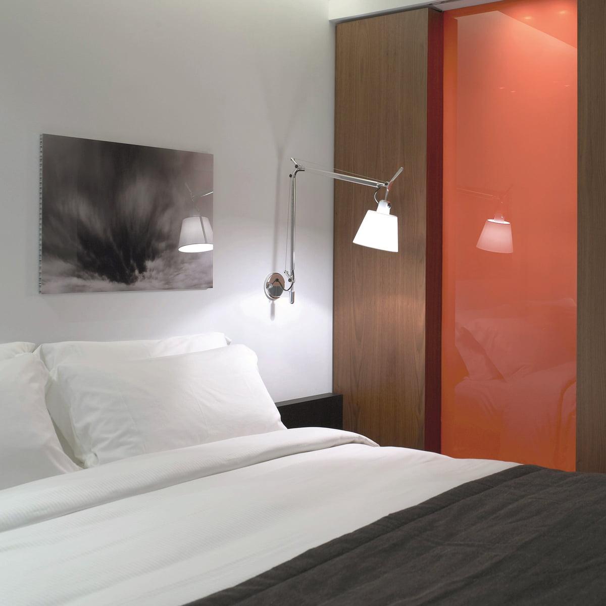 tolomeo basculante d 39 artemide. Black Bedroom Furniture Sets. Home Design Ideas