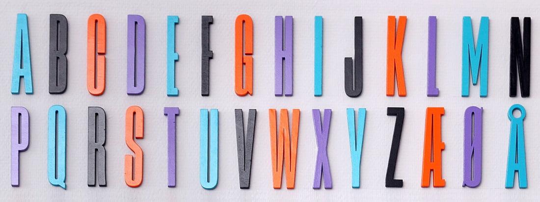 La collection ABC d'Arne Jacobsen de Design Letters est basée sur une typographie conçue à l'origine par la designer danoise en 1937 pour la mairie d'Aarhus.