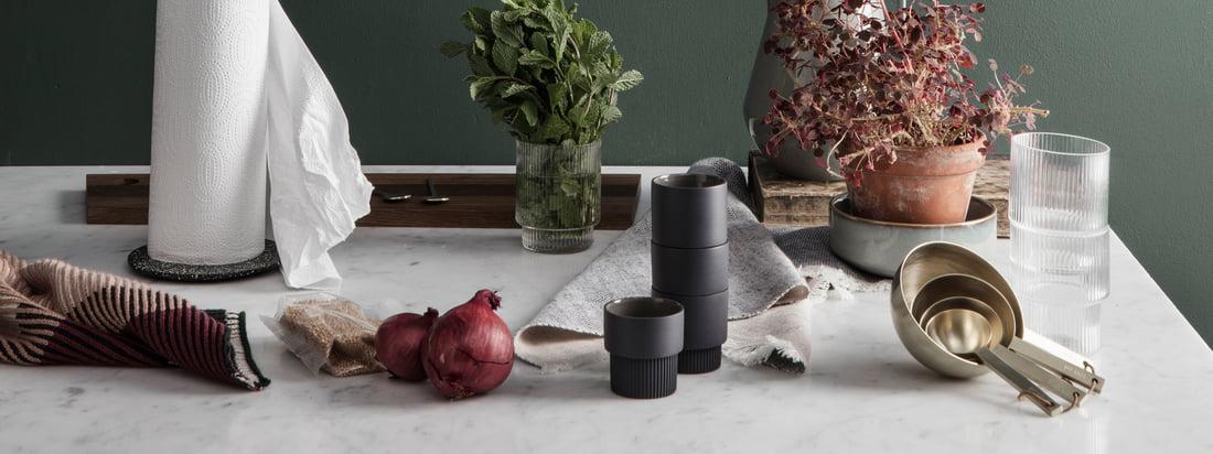 Si vous cherchez un design fonctionnel avec une touche ludique, ferm Living est l'entreprise qu'il vous faut. La collection de cuisine du studio de design est de ce fait polyvalente, élégante et pratique, comme les autres objets design du fabricant danois.