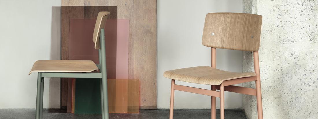 Chaise Loft par Muuto en rose poudreux et vert poudreux: En tant que chaise dans la salle à manger ou assise dans le couloir, la Chaise Loft par Muuto est à la fois fonctionnelle et décorative.
