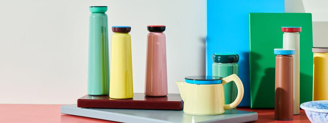 Les produits George Sowden de Hay se caractérisent par leurs couleurs nobles et ludiques. Les contrastes sont particulièrement efficaces lorsqu'ils sont combinés avec d'autres pièces de la collection.