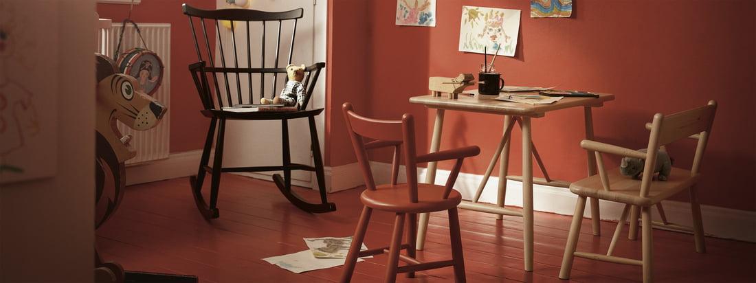 Les meubles pour enfants de FDB Møbler avec le rocking chair J52G. Les enfants comme les adultes apprécient d'être entourés de meubles intemporels et joliment conçus.
