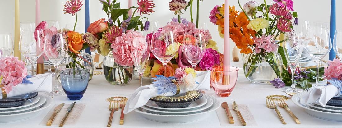 Hammershøi Les articles de table de Kähler Design se complètent à merveille et sont faciles à combiner. Ensemble, la vaisselle intemporelle décore la table pour un dîner élégant ou un brunch du dimanche.