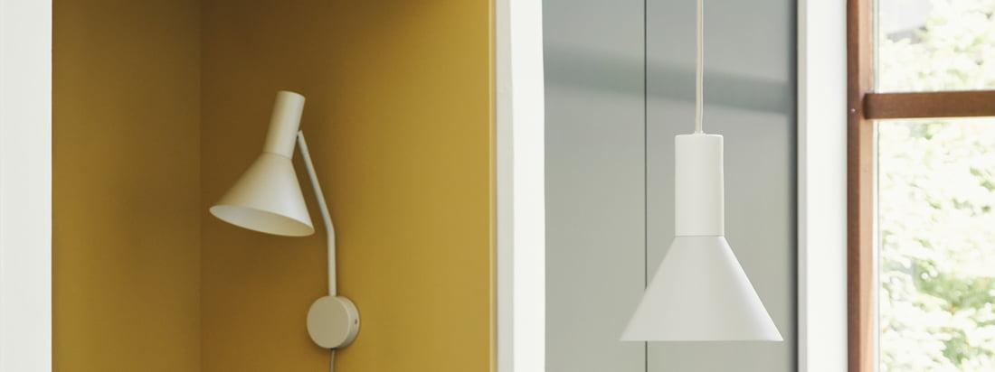 Conçue par Toni Rie, responsable du design chez Frandsen, la lampe Lyss est intemporelle et pratique. L'abat-jour peut être déplacé librement grâce à l'articulation entre l'abat-jour et le bras, la lampe elle-même est équipée d'un câble textile élégant.