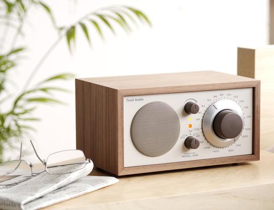 Trouvez ici des dispositifs techniques qui servent votre divertissement, tels que des radios ou des appareils audio...