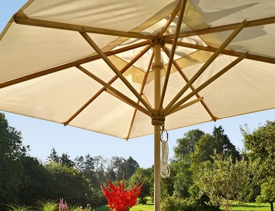 Trouvez des parasols, des tentes de soleil et des supports pour les jours les plus ensoleillés et les plus chauds de l'année !
