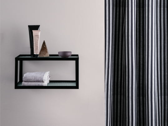 L'armoire à miroir de Kali par Authentics offre un espace de rangement élégant pour vos articles de toilette. Complétez la salle de bains avec une armoire pour les accessoires designs tels que le gobelet porte brosse à dents, une poubelle, un porte-savon, et autres déco salle de bains.