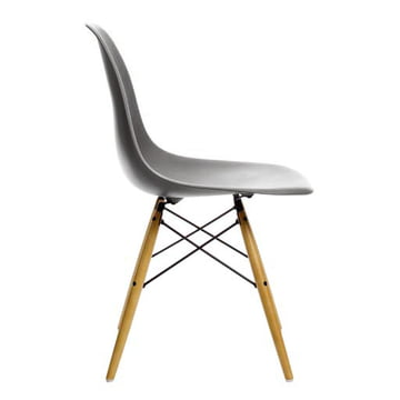 Vitra - Eames Plastic Side Chair DSW, Érable clair / basalte