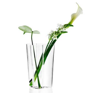 Iittala - Aalto vase avec des fleurs, libre