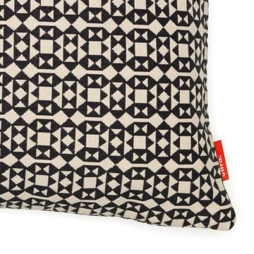 Coussin Facets, 40 x 40 cm par Vitra en noir et blanc