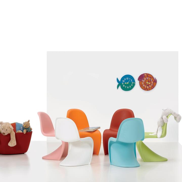 Coloré et moderne dans la chambre d'enfant avec Vitra Panton et minuteries Zoo