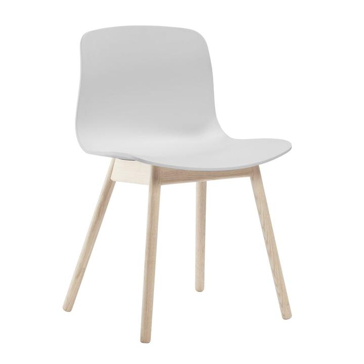 About A Chair AAC 12 de Hay en chêne savonné / blanc