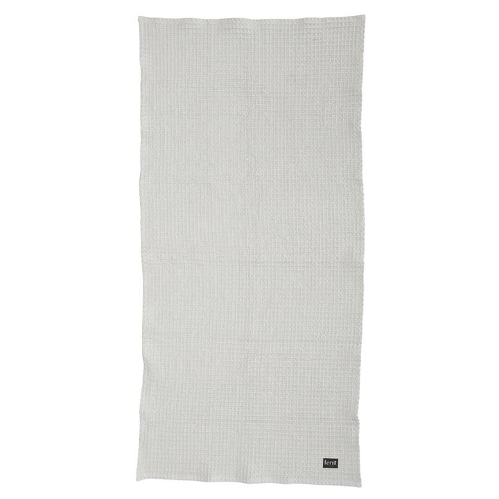Serviette de bain bio 70x140 cm en gris clair Ferm Living