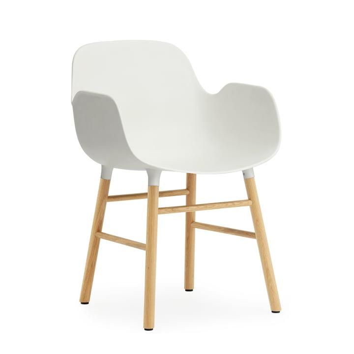 Form Armchair de Normann Copenhagen en chêne en blanc