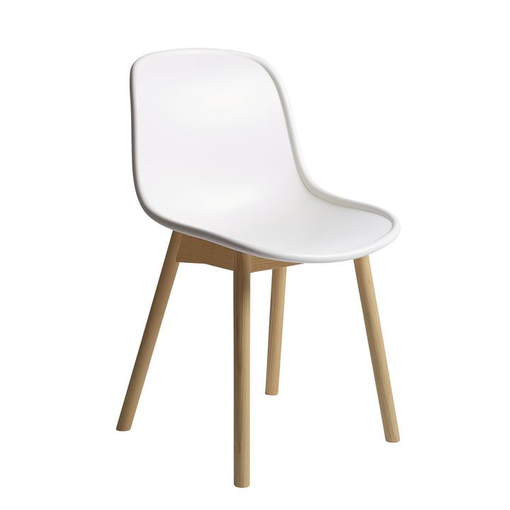 Chaise Neu13 de Hay en chêne laqué mat / finition blanc crème
