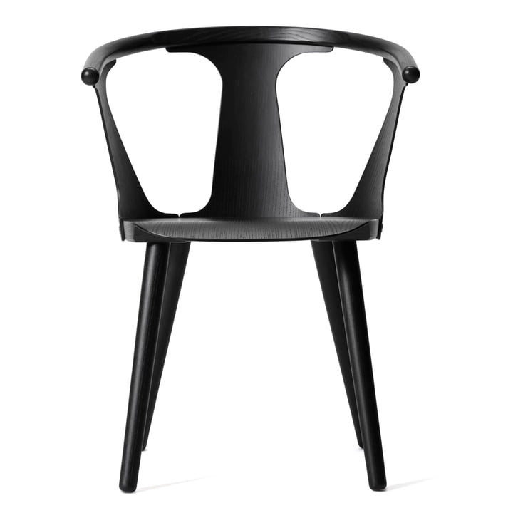 In Between Chaise SK1 par & Tradition en chêne teinté noir (RAL 9005)