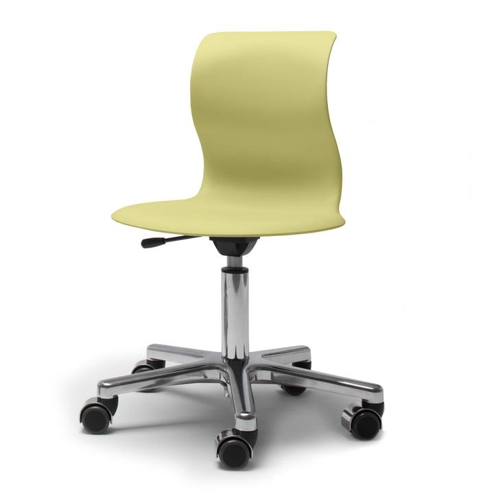 Pro 4 Chaise pivotante en aluminium avec coque en vert kiwi, roulettes douces (avec couvercles polis) par Flötotto