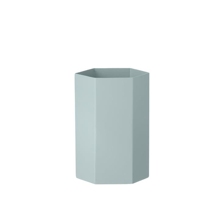 Vase Hexagon de ferm Living en bleu clair
