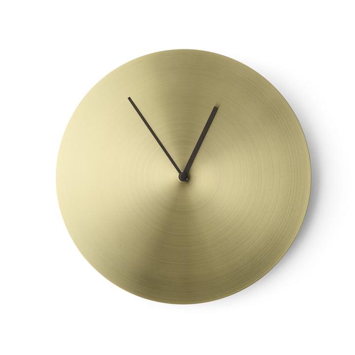 L'horloge murale Norm de Menu en laiton brossé