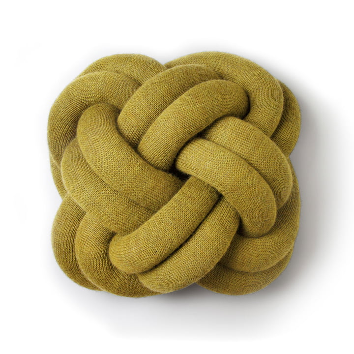 Coussin The Knot en jaune par Design House Stockholm