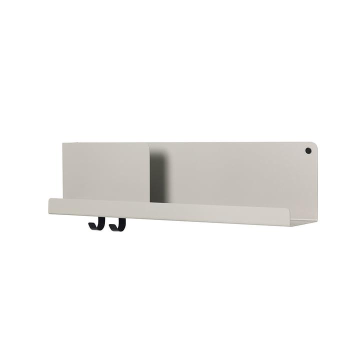 Etagère pliée moyenne 63 x 16,5 cm par Muuto en gris