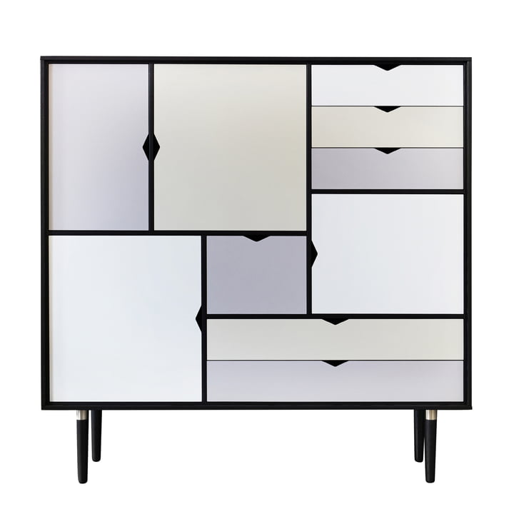 Commode S3 d'Andersen Furniture en chêne laqué en noir (façades en argent, beige et gris métallisé)