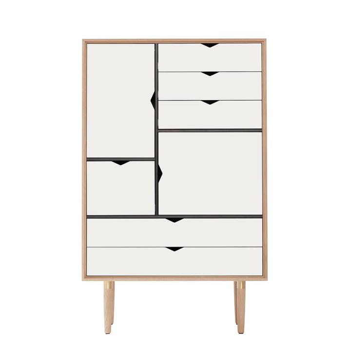 La commode S5 d'Andersen Furniture en chêne savonné/façade blanche