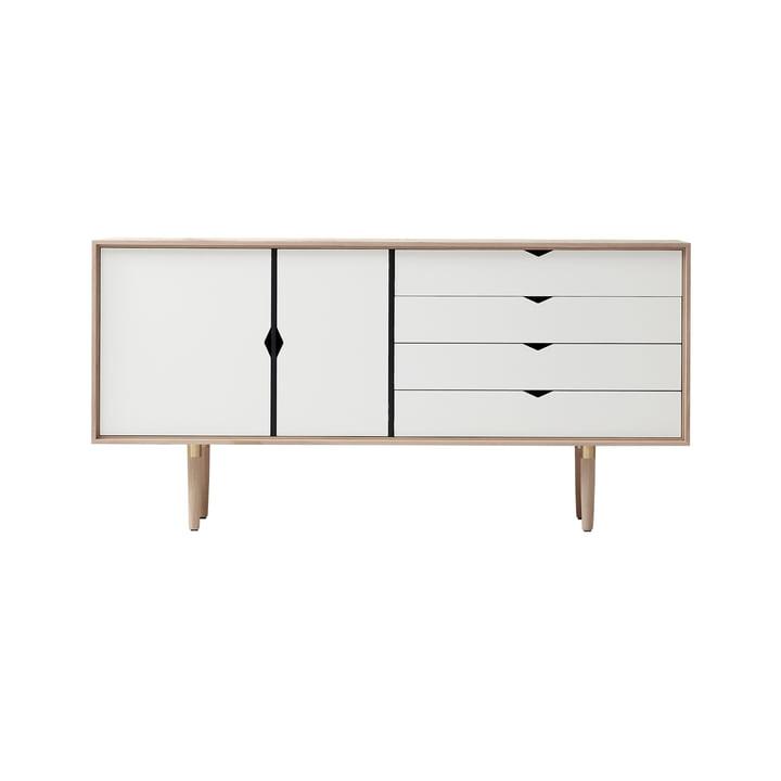 Bahut S6 d'Andersen Furniture en chêne savonné / façades blanches