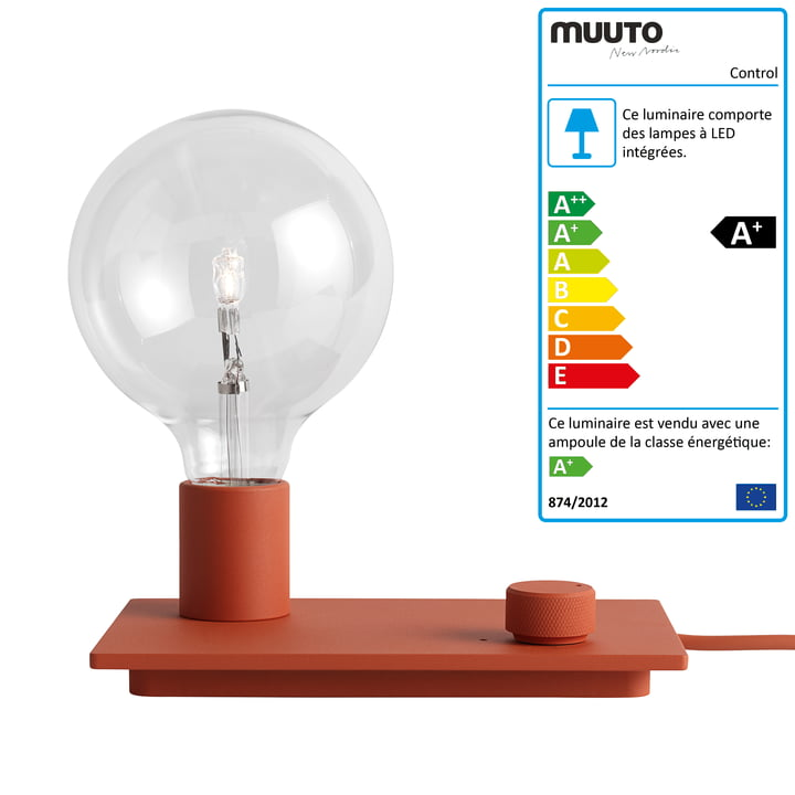 La lampe de table Control de Muuto en rouge