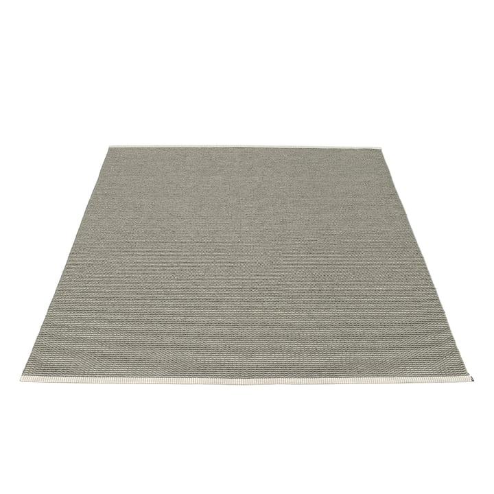 Tapis Mono 180 x 220 cm de Pappelina en coloris charbon de bois / gris chaud
