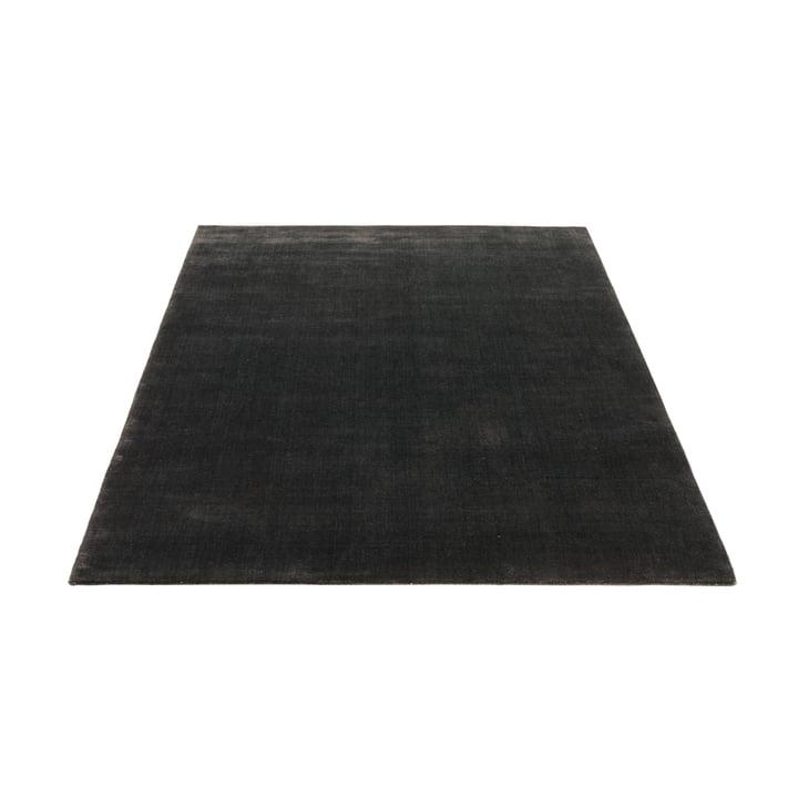 Le tapis Massimo - Earth 140 x 200 cm en charcoal