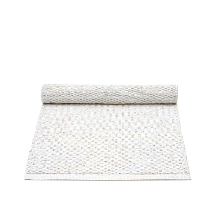 Chemin de table Svea par Pappelina en blanc métallisé / blanc