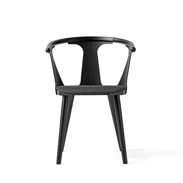 Chaise In Between SK2 de &Tradition en chêne teinté en noir (RAL 9005) / coussin Fiord 191