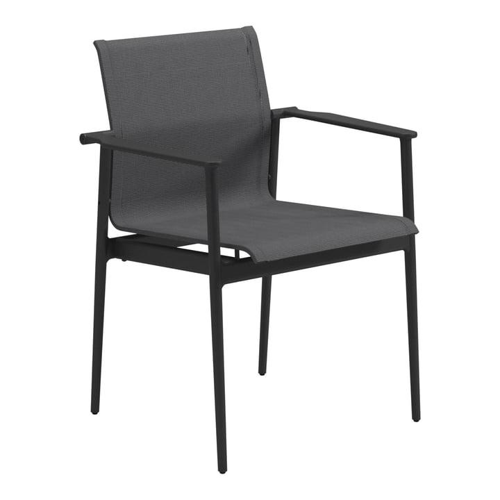 La chaise à accoudoirs 180 de Gloster, météore / anthracite