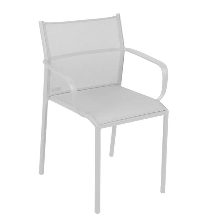 Chaise Cadiz avec accoudoirs de Fermob en coton blanc