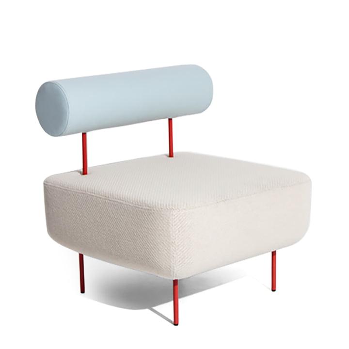 Piétement du fauteuil Hoff : rouge (RAL 3016), assise : Kvadrat Coda 103 / dossier : Hero 901 by Petite Friture