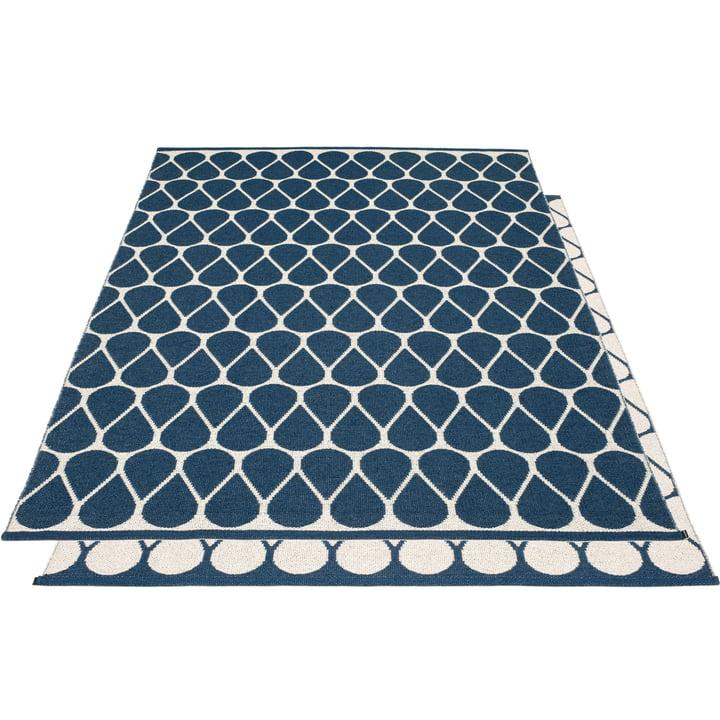 Tapis réversible Otis, 180 x 275 cm en bleu océan / vanille par Pappelina