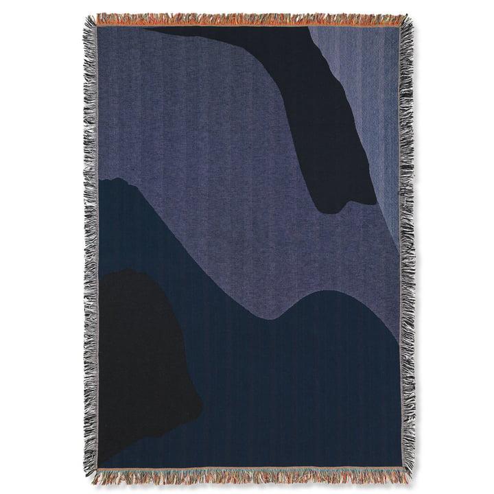 Couverture Vista 120 x 170 cm de ferm Living in dark blue