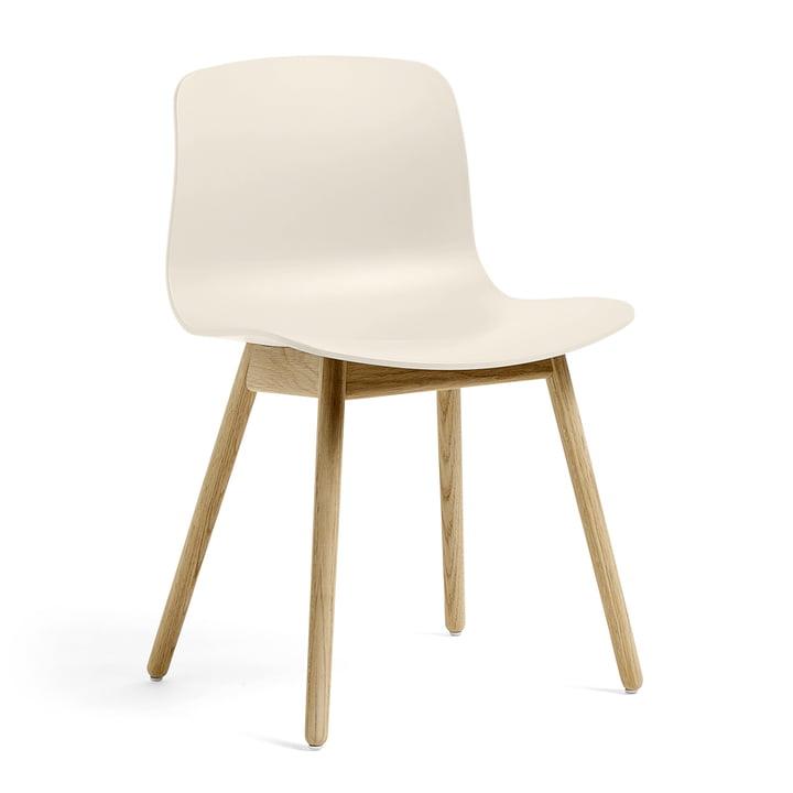 About A Chair AAC 12 de Hay en chêne laqué mat / blanc crème